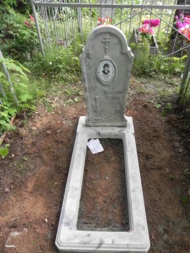 Памятник из полимербетона№100
