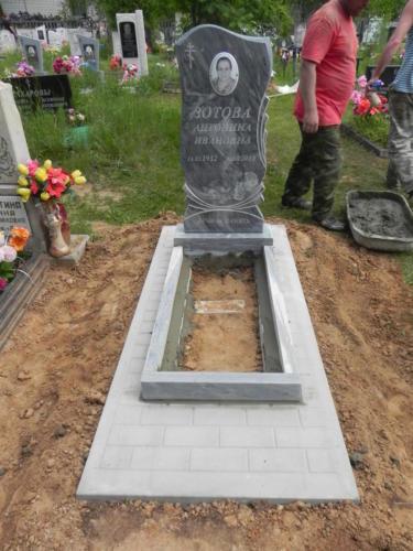 Памятник из мрамора №8