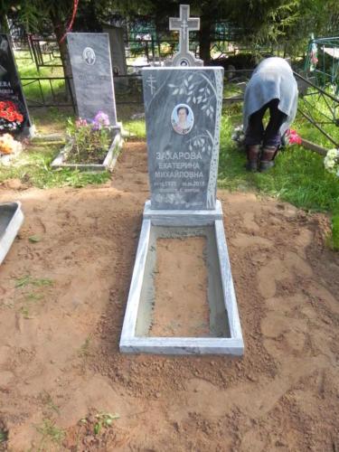 Памятник из мрамора №137