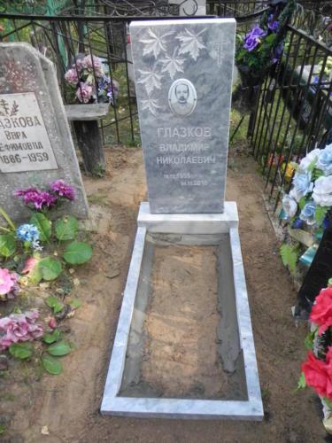 Памятник из мрамора №131