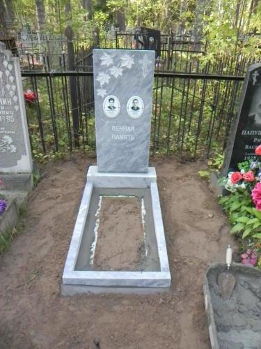 Памятник из мрамора №130
