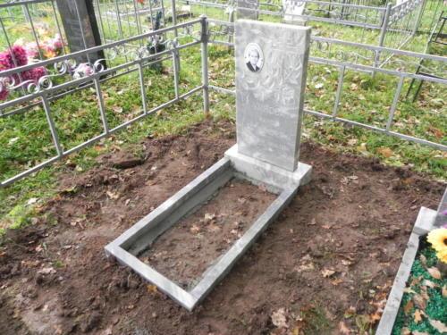 Памятник из мрамора №129