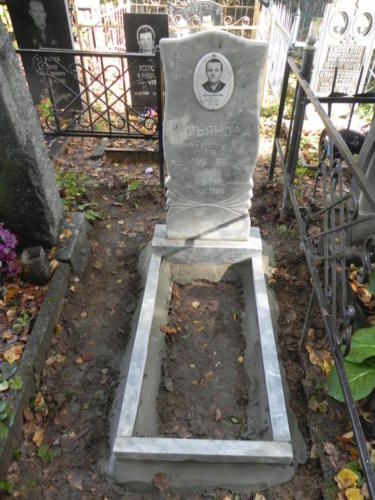 Памятник из мрамора №127