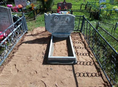 Памятник из мрамора №125