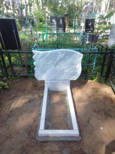 Памятник из мрамора №140
