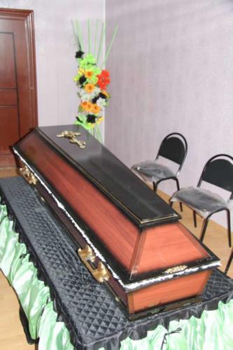 Гроб полированный №4