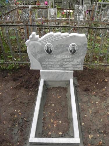 Памятник из мрамора №57