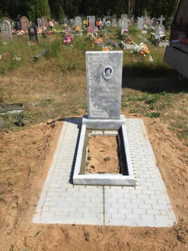 Памятник из мрамора №70