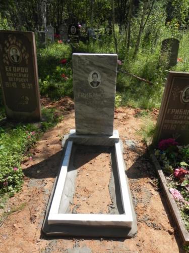Памятник из мрамора №56