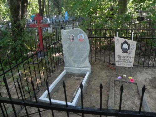 Памятник из мрамора №77
