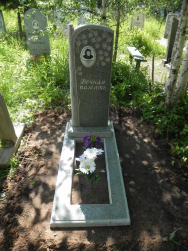 Памятник из полимербетона№9