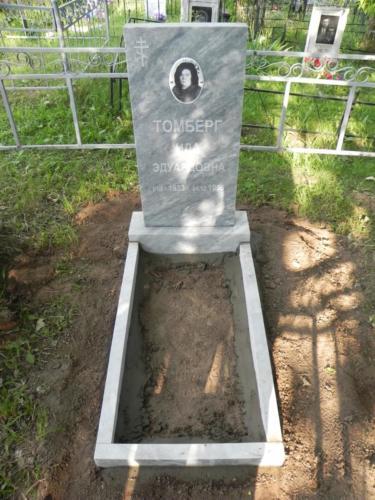 Памятник из полимербетона№10