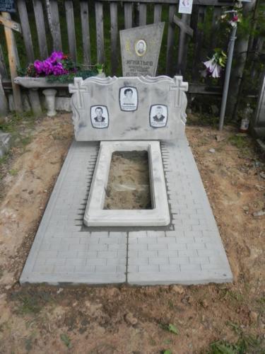 Памятник из полимербетона№15