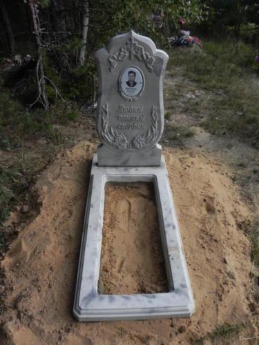 Памятник из полимербетона№77