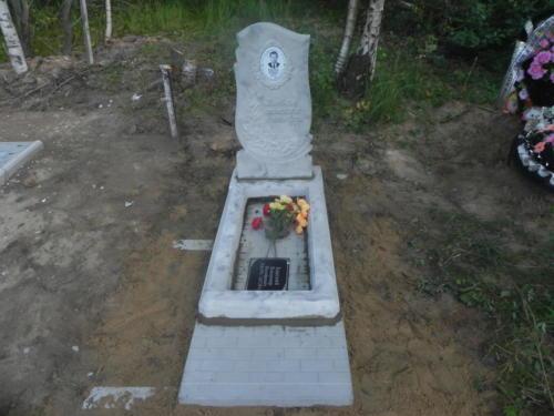 Памятник из полимербетона№49